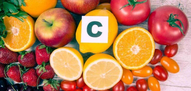 Saiba quais frutas com vitamina C você deve incluir em sua alimentação