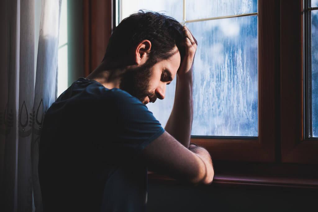 as mudanças de humor, em especial, um repentido mau humor é um dos sinais de um comportamento suicida
