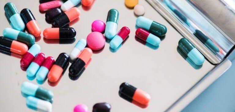 os principais sintomas de alergia a medicamentos para você ficar atento