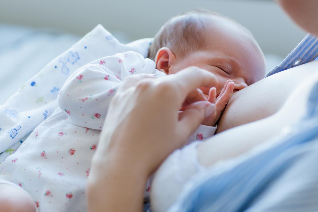 Por que a amamentação é fundamental para a saúde do bebê?