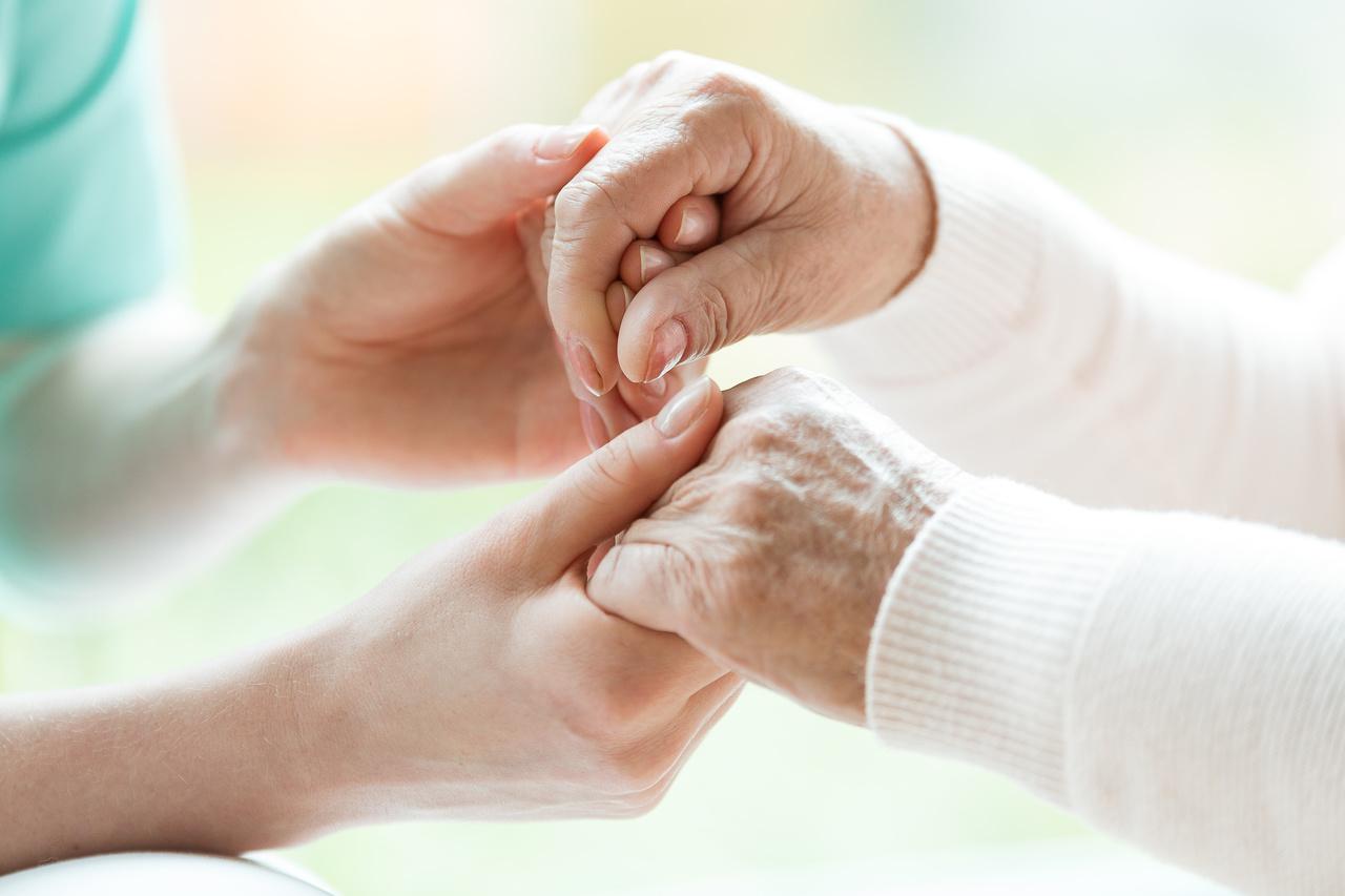 Mal de Alzheimer: o que é a doença e quais são os sinais dela?