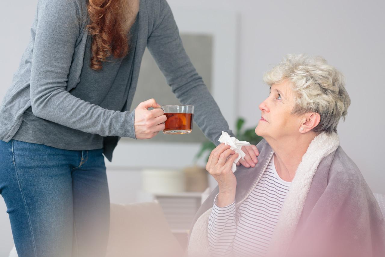 Saiba como a imunidade baixa prejudica a saúde dos idosos