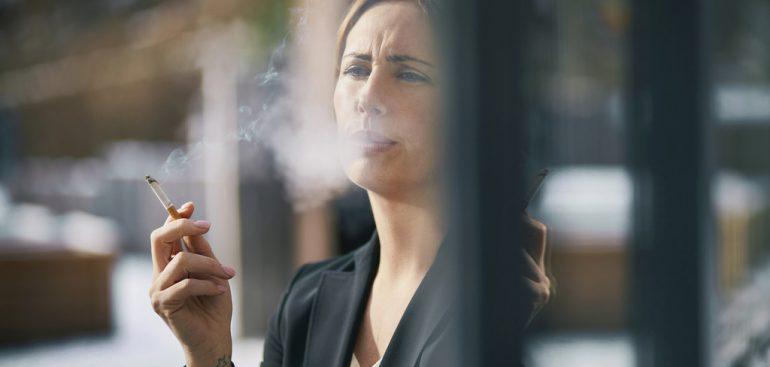 Descubra por que os fumantes são mais vulneráveis ao coronavírus