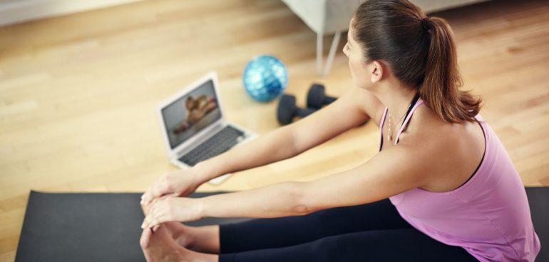 Que tal transformar todo dia em dia do yoga? Confira no artigo 7 benefícios da prática para a sua saúde.