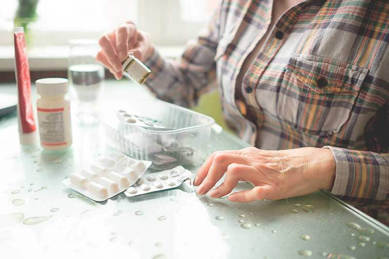 entenda as diferenças entre a artrite e a artrose, apesar de sintomas parecidos não são a mesma coisa