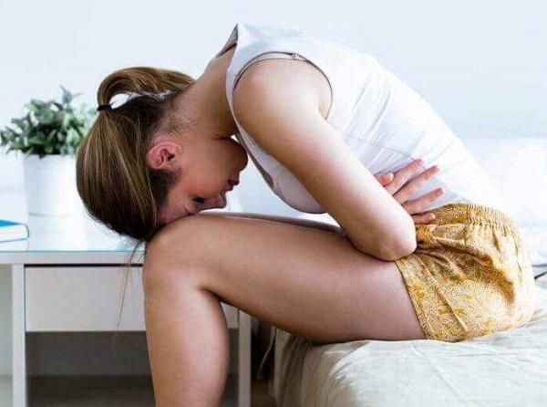 como diferenciar o fluxo menstrual mais forte do aborto espontâneo