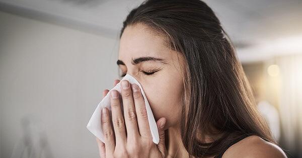 Qual as funções do espirro? Faz mal segurar?